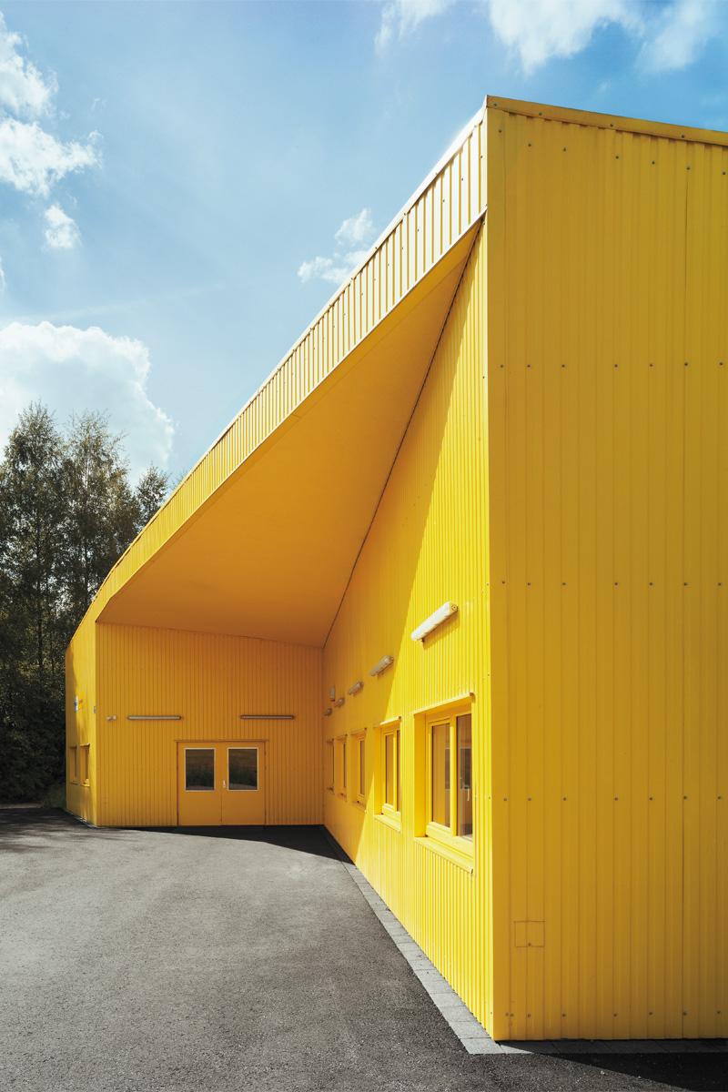 Architektur Marion Wicher_yes-architecture_Trofaiach_Postverteilerzentrum _02_800x1200